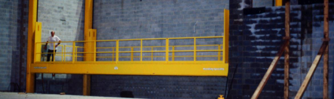 Four Post Lift for Theater