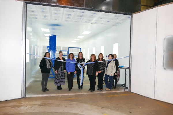 Piant booth ribbon cutting