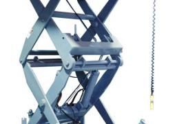 Ladle lift for steel industry fully extended